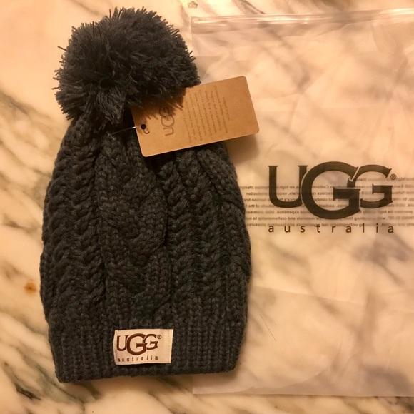 1f758e78cbf Cable knit beanie hat with pom pom❤️